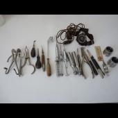 Ensemble d' anciens instruments pour dentiste