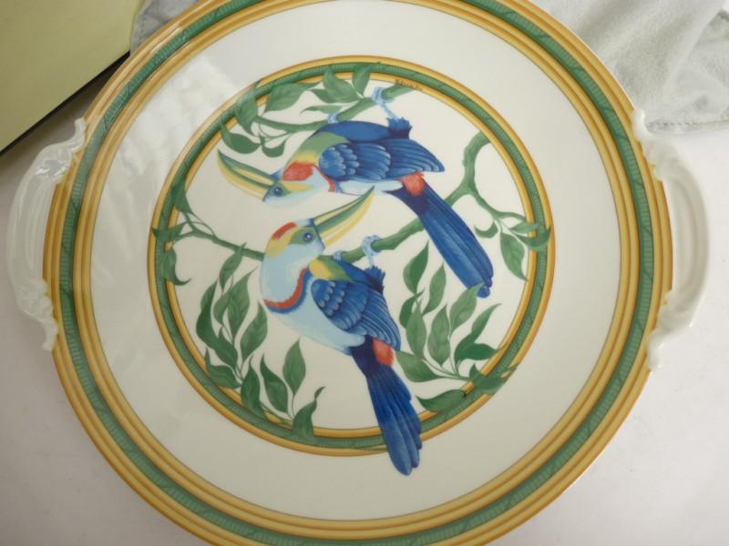 plat a cake porcelaine limoges toucans hermes eared cake plate 17948 ebay. Black Bedroom Furniture Sets. Home Design Ideas