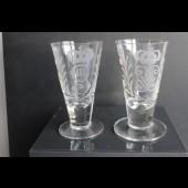 Deux petit verres anciens  Anglais George III et George V