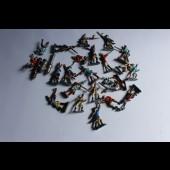 Lot de 24 soldats de plomb