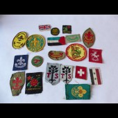 Collection de 20 écussons Scouts