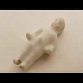 Ancienne fève en porcelaine enfant