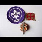Trois anciennes insignes Scout